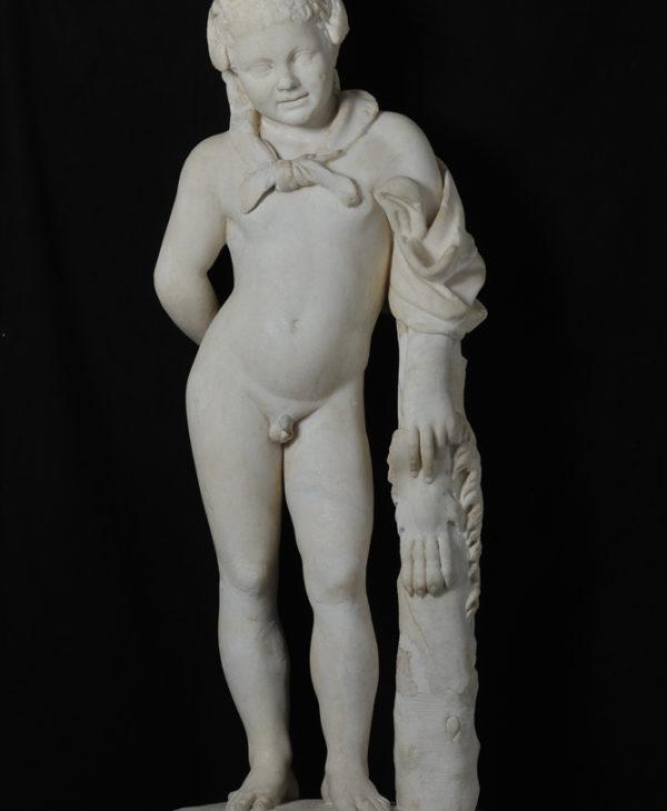 Young Hercules posing as Farnese Hercules