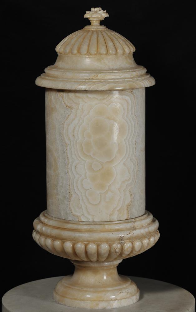 Anfora di alabastro