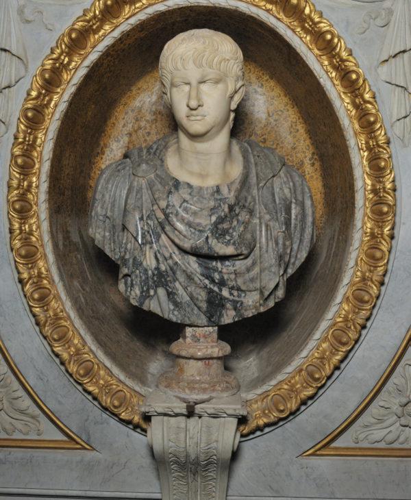 Busto di Caligola