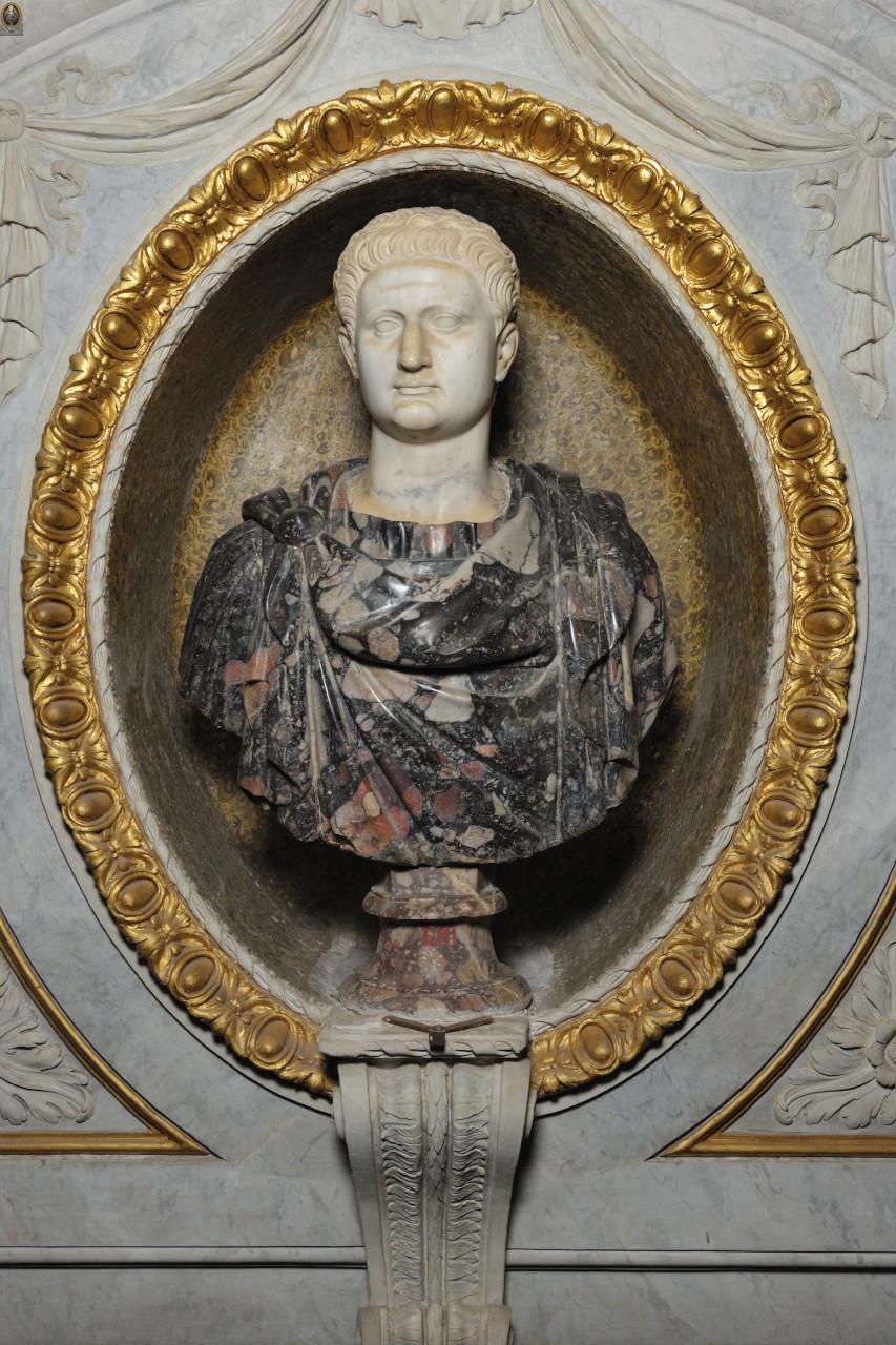Busto di Domiziano